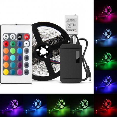 3 Çip Silikonlu Şerit Led  5 metre+Adaptör+RGB Kumanda Renkli Set